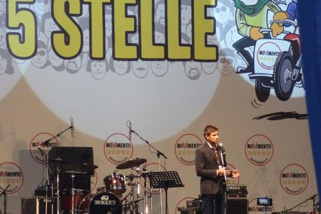Le Mouvement 5 étoiles et son leader Alessandro Di Battista se placent en tête des premiers résultats. (Photo: Licence CC)