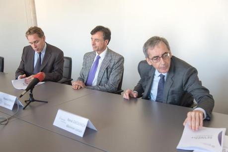 Me Grasso, au centre, estime que les défis sont les mêmes pour tous les avocats. (Photo: Charles Caratini / archives)