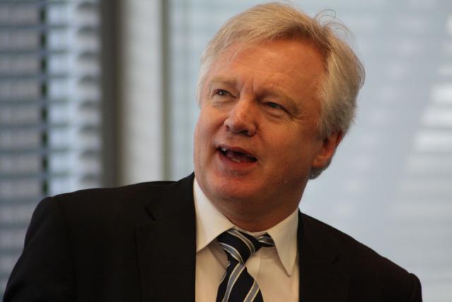 «La moindre erreur peut coûter aux contribuables (britanniques, ndlr) des milliards de livres», a expliqué David Davis, le ministre britannique en charge du Brexit. (Photo: Licence C. C.)