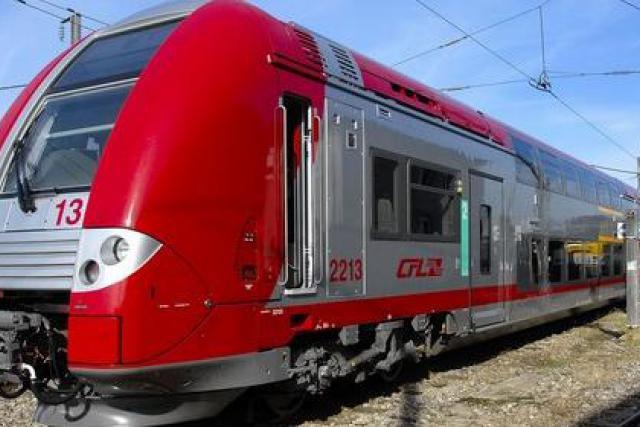Le contrat porte sur l'équipement de 19 locomotives et 22 automotrices deux niveaux. (Photo: Alstom)