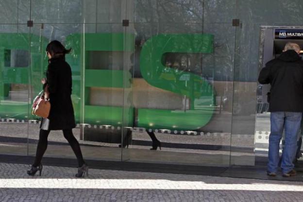 La révolte des petits actionnaires et des clients gronde au Portugal et la défense s'organise au Luxembourg. (Photo: diariodopoder)