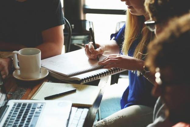 36% des salariés luxembourgeois considèrent que leur manager ne traite pas de la même façon les collaborateurs selon leur âge. (Photo: Licence C.C.)