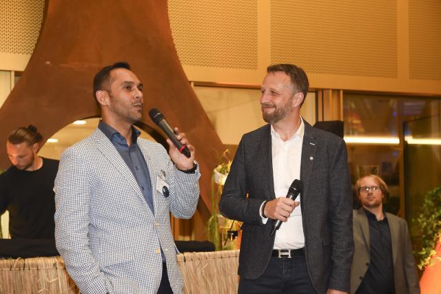 Nasir Zubairi (CEO de la Lhoft) et Georges Bock (Tax Leader chez KPMG Luxembourg) durant la remise des prix en juin 2017. (Photo: Anthony Dehez / archives)