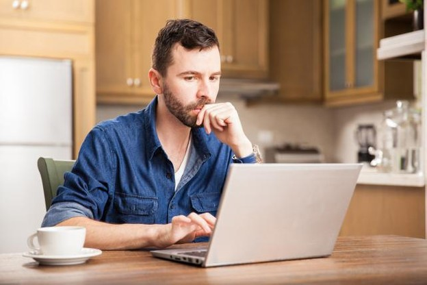 Le télétravail ne possède pas de cadre juridique à proprement parler, c'est aux entreprises d'établir les conditions avec leurs salariés. (Photo: Shutterstock)
