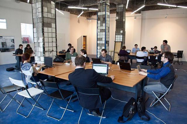 Faut-il créer des espaces de coworking aux frontières pour désengorger les routes? (Photo: Licence C. C.)