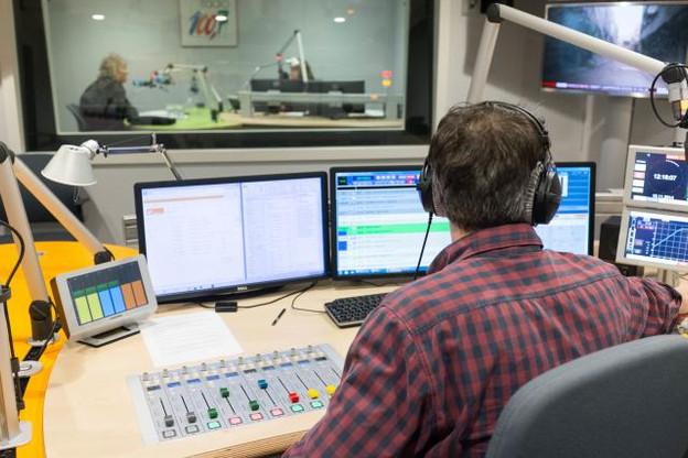L'info demeure l'un des piliers forts de la station avec 5.500 bulletins d'information diffusés l'an dernier.  (Photo: 100.7)