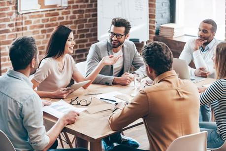 Pour les 30-39 ans, les femmes, les managers et les salariés avec enfants, la priorité est de se sentir «intellectuellement challengé» dans son travail. (Photo: Shutterstock)