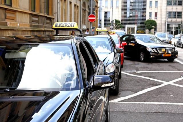 Depuis le 1er septembre 2016, de nouvelles règles destinées à mieux contrôler le secteur des taxis entrent en vigueur. (Photo: Olivier Minaire/archives)