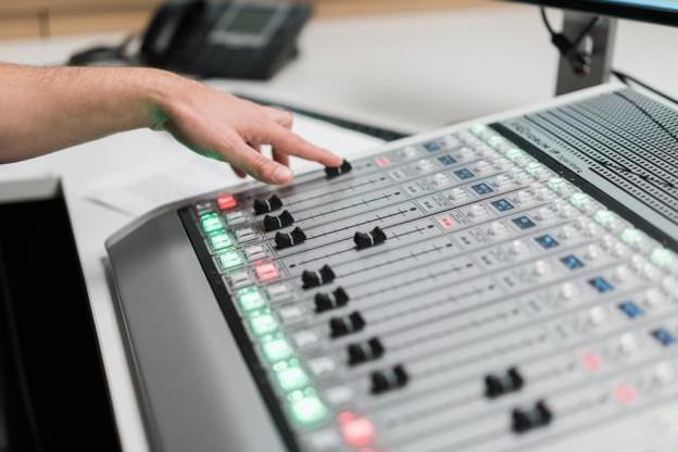 L'essentiel Radio a été lancée en février 2016. Un an plus tard, son taux d'audience était mesuré à 5,2% de la population.  (Photo: Marion Dessard / archives)