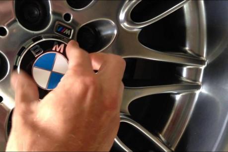 C'est suite à un commerce non autorisé de BMW que l'agent du Srel fut visé par une enquête disciplinaire fin 2011. (Photo: YouTube)