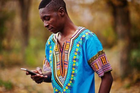 Le rapport «Fintech for Financial Inclusion» propose une feuille de route visant à tirer profit au maximum des nouvelles technologies pour soutenir l'accès à des services financiers dans les pays en développement. (Photo: Shutterstock)