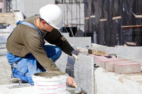 Les nombreux chantiers en cours dans le pays ont entraîné unehausse du recours à l'intérim dans le secteur du BTP. (Photo: Shutterstock)