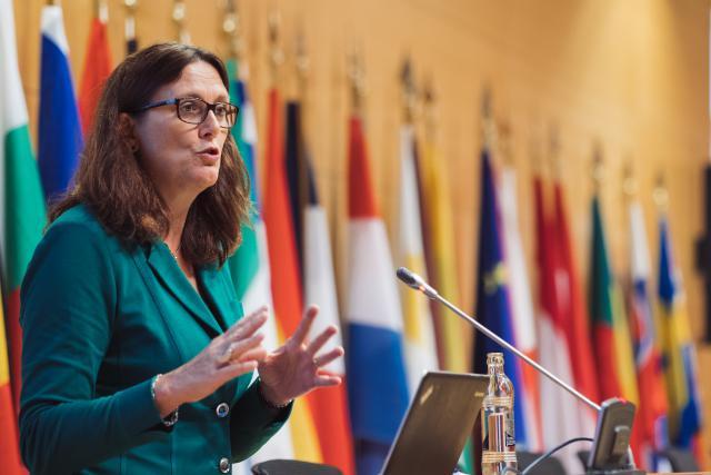 «Nous sommes toujours ouverts à la discussion avec les États-Unis. L'UE dans son ensemble est fondée sur l'idée que nous discutions», a indiqué jeudi la commissaire européenne au Commerce Cecilia Malmström. (Photo: Sébastien Goossens / archives)