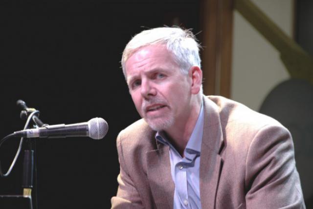 John Christensen (Tax Justice) en 2009, lors d'une conférence à Luxembourg sur l'opacité financière. (Photo: Ekkehart Schmidt-Fink / Etika)
