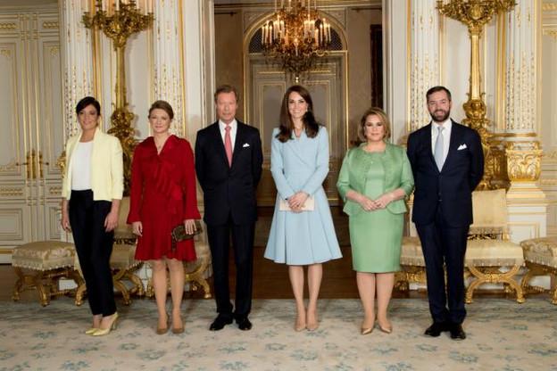 Dernière étape de la visite luxembourgeoise de Kate Middleton: le Palais grand-ducal où l'attendait la famille grand-ducale. (Photo: Cour grand-ducale / Claude Piscitelli)