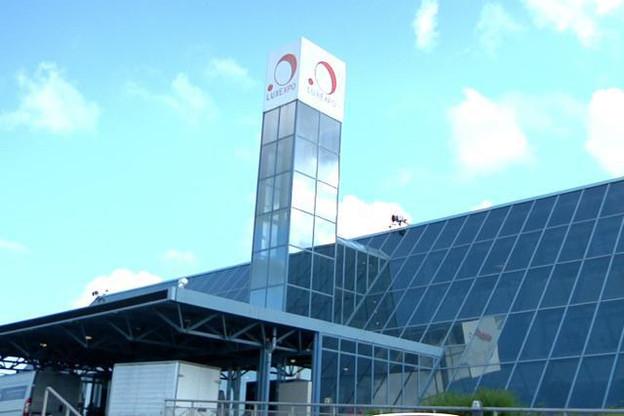 Dès vendredi, la tour de Luxexpo arborera une nouvelle identité visuelle. Une page qui se tourne. (Photo: Maison moderne / archives)