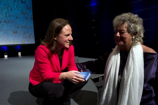 Une des dernières apparitions de Maggy Nagel, ici avec Corinne Cahen, lors du congrès du DP fin novembre. (Photo: Christophe Olinger)