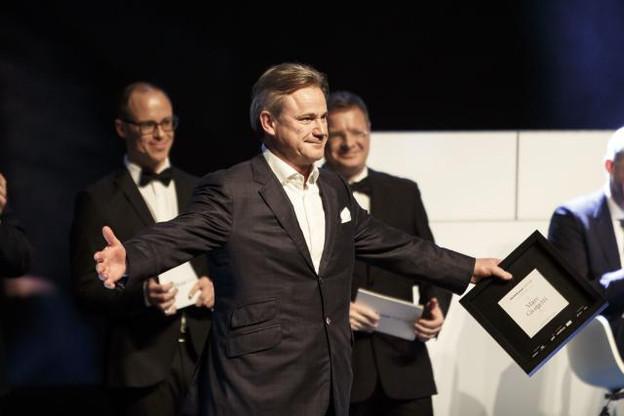 Mardi soir, Marc Giorgetti a reçu, ému, le titre de décideur économique le plus influent au Luxembourg. (Photo: Maison Moderne)