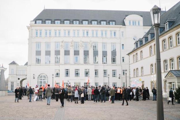 Une centaine de soutiens avaient fait le déplacement depuis Paris ou la Lorraine. (Photo: Marion Dessard)