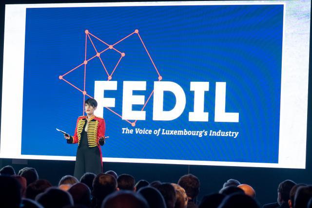 Michèle Vallenthini était à nouveau sur scène jeudi soir pour assurer la présentation de la réception du Nouvel An de la Fedil. (Photo: Nader Ghavami)