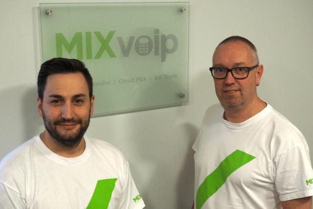 Les deux cofondateurs de Mixvoip, Loïc Didelot (à gauche) et Pascal Knebler (à droite), se partageront la gestion des deux nouvelles filiales. (Photo: MIXvoip)