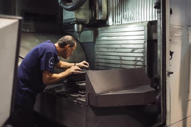 «Nous ne pouvons pas dire que nous avons une usine4.0, mais nous en suivons les principes», explique Yannick Malvaux, le CEO de Morganite Luxembourg. (Photo: Sébastien Goossens)