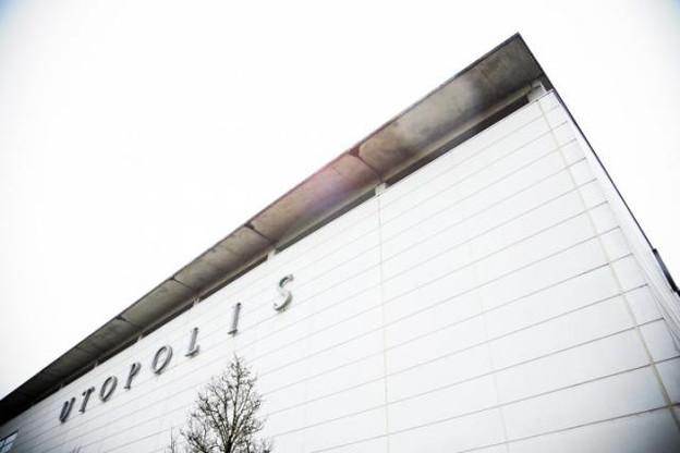 Il faudra encore attendre avant de voir l'enseigne Kinepolis sur la façade du complexe de cinémas. (Photo: David Laurent / archives)