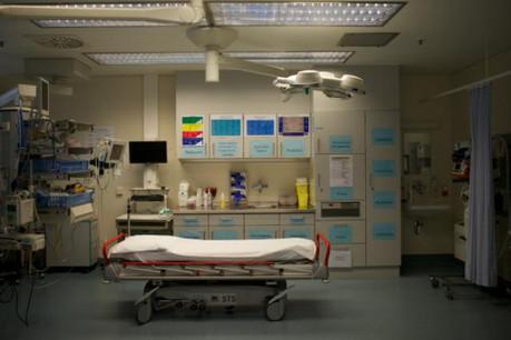 Il ne s'agit pas de vider les hôpitaux. Mais l'assurance dépendance a propulsé les soins ambulatoires et les aides à domicile. (Photo : Christophe Olinger)