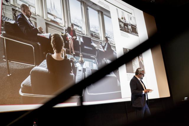 Le fondateur et actuel CEO de Maison Moderne, Mike Koedinger, a présenté les nouveautés de la rentrée2017 de Paperjam. (Photo: Maison Moderne)