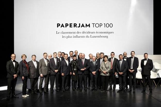 Le top10 du Paperjam Top 1002016, aux côtés des membres du jury, des sponsors et partenaires et représentants de l'organisation. (Photo: archives Maison Moderne)