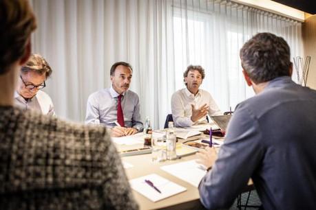 Marc Giorgetti, Hugues Delcourt et Daniel Schneider, trois des six membres du jury, durant une séance de travail. (Photo: Maison Moderne)
