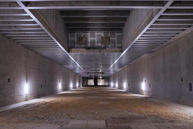 Imaginée en 2003, la gare du Findel est restée inachevée suite à l'abandon du projet en 2009. Le second niveau pourrait accueillir un data center, selon les plans du gouvernement. (Photo: Sven Becker)