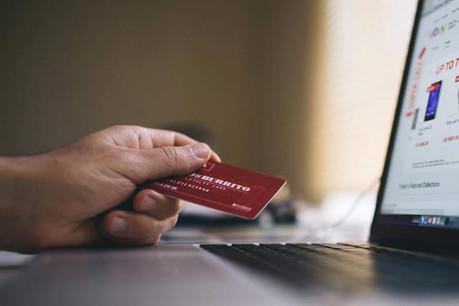 La progression du numérique auprès des clients des banques est une explication à la fermeture d'agences. (Photo: Licence CC)