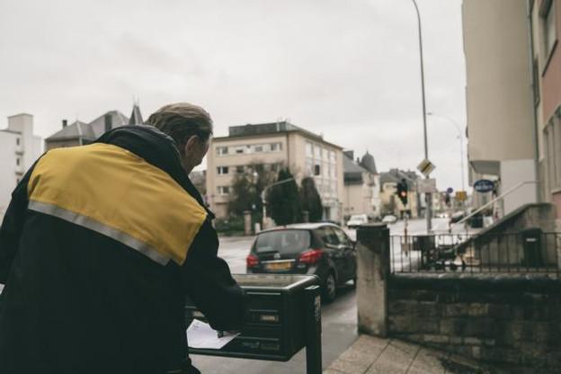 Le nombre d'envois de courrier est en baisse, mais représente encore 95,6% du total des envois. (Photo: Sven Becker / Archives)