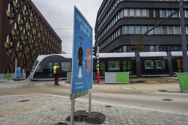 Selon les premières estimations de fréquentation du tram, avant les données officielles à venir la semaine prochaine, plus de 8.400 personnes l'ont emprunté entre le 10 et le 31 décembre 2017. (Photo: Mike Zenari/archives)