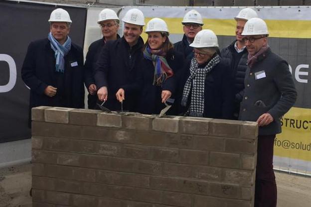 La première pierre du futur bâtiment est officiellement posée.  (Photo: Betic)