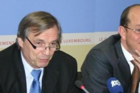 Jeannot Krecké, ministre de l'Economie et du commerce extérieur et Jean-Louis Schiltz, ministre des Communications   (Photo: Ministère de l'Economie)