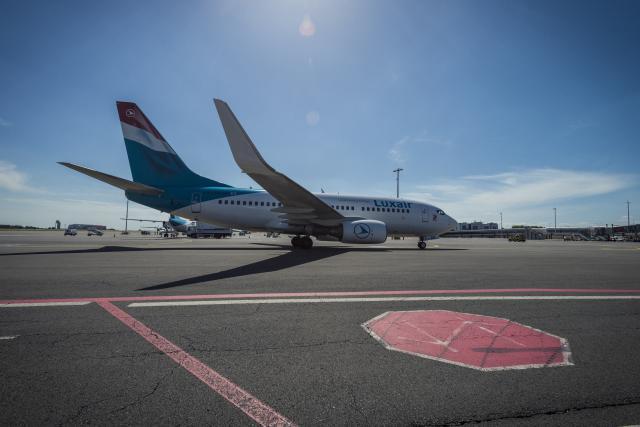 Luxair entame 2018 avec, à l'horizon, la barre des 2 millions de passagers transportés. (Photo: Mike Zenari / archives)