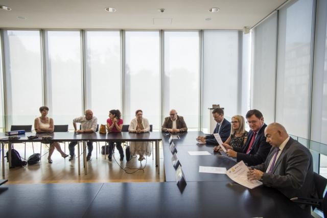 Si aucun détail des «nouvelles propositions» de l'ABBL n'a filtré, la réunion plénière de vendredi a permis aux syndicats d'obtenir les vues du patronat par écrit. (Photo: Mike Zenari / archives)