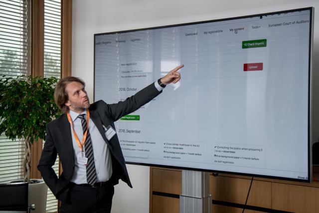 Compellio vient d'annoncer que la Cour des comptes européenne l'avait choisi pour développer un système de workflow utilisant la blockchain. (Photo: Nader Ghavami)