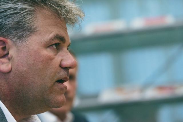 Didier Mouget s'efface au profit de John Parkhouse, désormais CEO unique de PwC Luxembourg.  (Photo: Sven Becker)