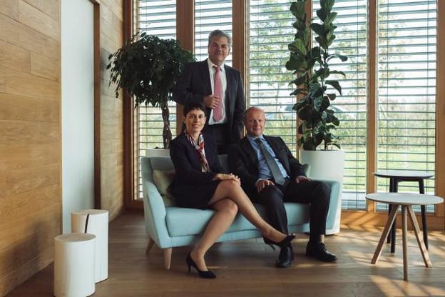 Rima Adas, John Parkhouse et Wim Piot insistent sur les enjeux de la digitalisation pour PwC… et ses clients. (Photo : Sebastien Goossens)