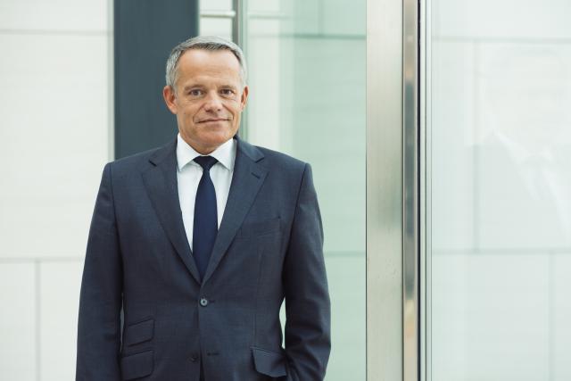 Le 21 mars, la banque coopérative Raiffeisen a annoncé un résultat net pour 2017 en croissance, de plus de 10%, qui «dépasse 18 millions» d'euros, selon le président du comité de direction, Guy Hoffmann. (Photo: Sébastien Goossens / archives)