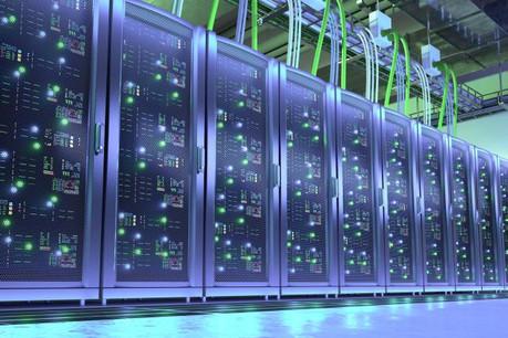 Dans les supercalculateurs les plus puissants, il n'est pas rare que les données circulent à une vitesse proche de la lumière. (Photo: Fotolia / Oleksandr Delyk)