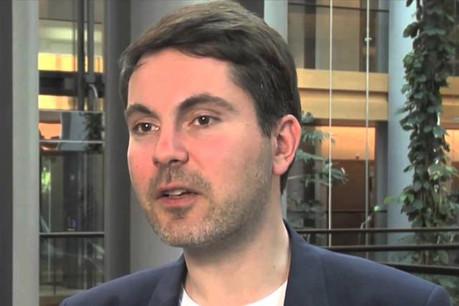 L'eurodéputé allemand Fabio De Masi a encore des questions sans réponse. (Photo: YouTube)