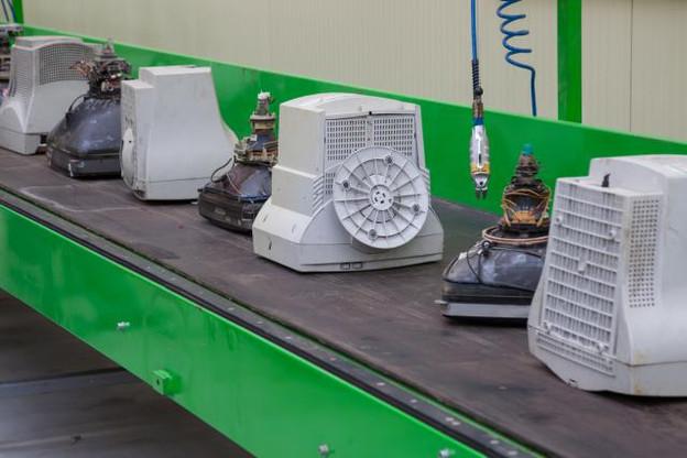 Très polluants, il existe désormais diverses solutions pour recycler toutes sortes de déchets électriques et électroniques. (Photo: VILevi)