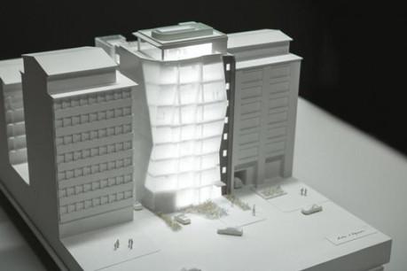 La façade en verre prismatique du Royal20 rompt avec une certaine linéarité de l'architecture avoisinante. (Visuel: Leasinvest)