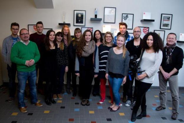 Les six étudiants, accompagnés par des cadres de l'entreprise, ont découvert, pendant une journée, l'univers de Maison Moderne. (Photo: Maison Moderne Studio)