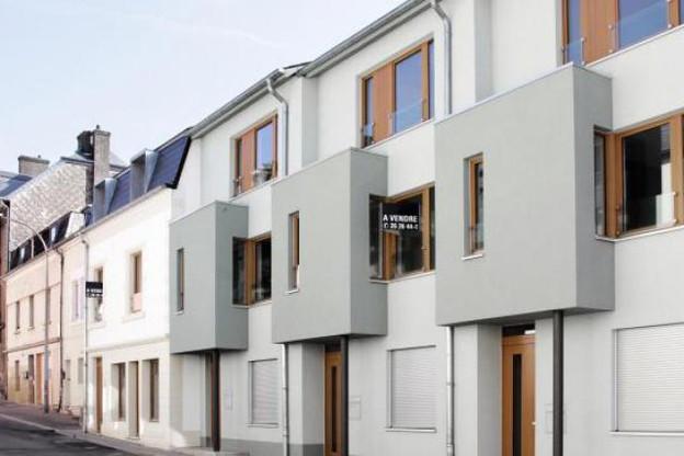 Du fait d'un besoin en logement croissant, des biens à la valeur intrinsèque limitée atteignent des prix faramineux.  (Photo : Luc Deflorenne/archives)