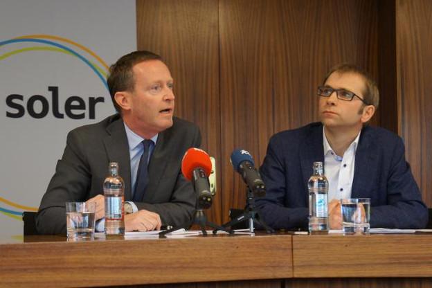 Paul Zeimet, le secrétaire général de SEO, et Laurent Winkin, le conseiller de direction de Soler, ont voulu un dialogue transparent avec les riverains des huit projets éoliens en cours. (Photo: DR)